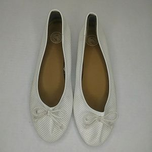 SO Breathable White Flats with Bow on Toes